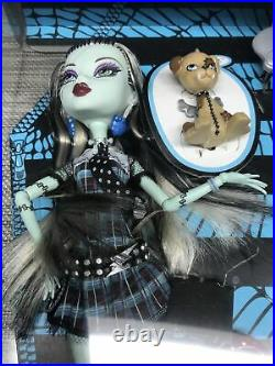 Monster High Frankie Stein First 1st Wave New Rare Sealed in box Mattel Doll