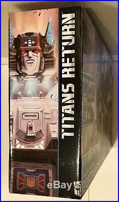 NEW SEALED Transformers Fortress Maximus Titan's Return Emissary Cerebros RARE