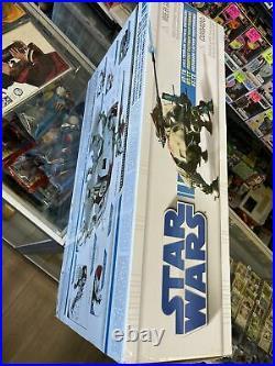 Star Wars Clone Wars Action Figure Vehicle AT-TE SEALED Nice Rare